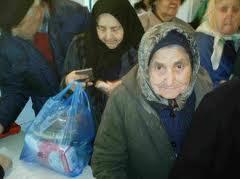 pensionarii saraci care supravietuiesc reformei voteaza