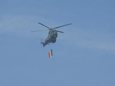elicopter cu steag
