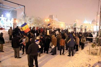 Romania sub ger si viscol, 26 ianuarie 2012 protestul din Piata Universitatii rezista