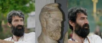 Cezar - stegarul din Piata Universitatii