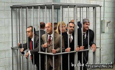 Basescu si sleata lui in cusca