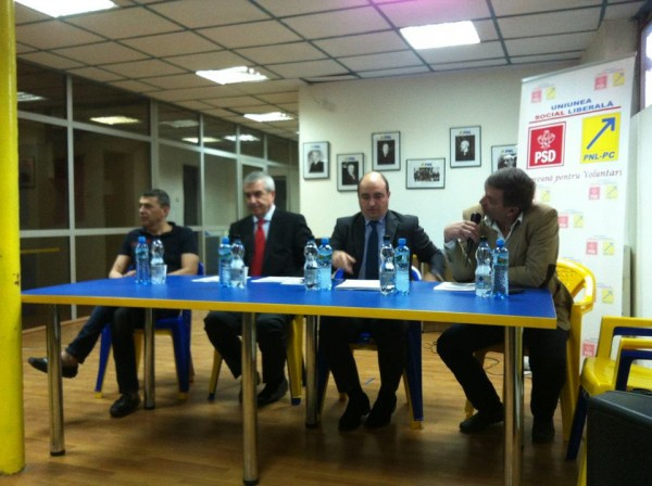 Marian Petrache Calin Popescu Tariceanu si Mihai Barbu - la sediul PNL Voluntari