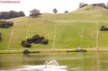 teren de fotbal in panta