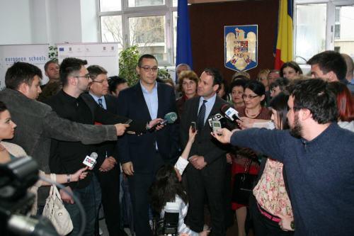 Victor Ponta si Robert Negoita inregistrare candidatura primarie sector 3
