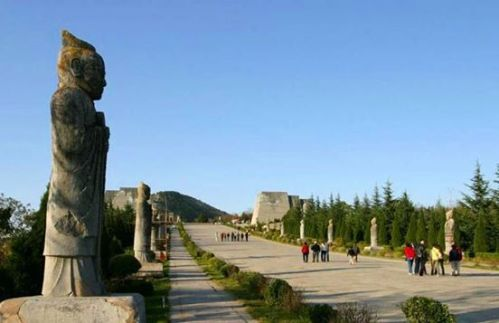 Qianling Mausoleum (Tang Dynasty)